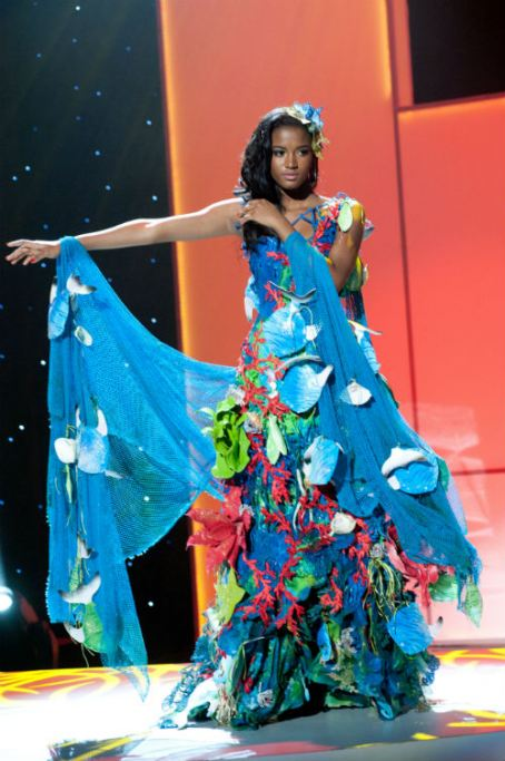 ... been if you had seen costume winner Miss Panama appear live in this